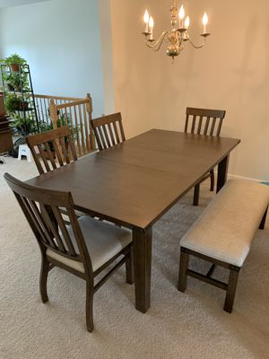 Wooden 6 seat Dining Table for Sale in Ashburn, VA