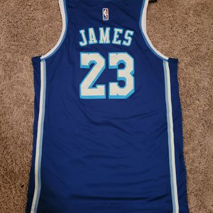 #23 Lakers LeBron James Nike Jersey 2x $50 for Sale in Puyallup, WA