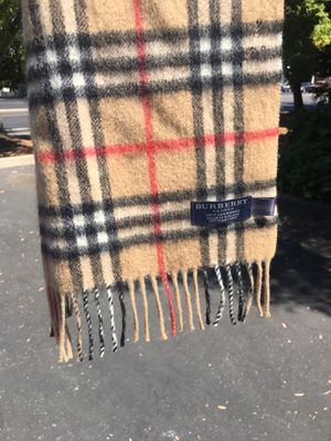 Burberry Scarf GENUINE Typically 400$ for Sale in Sacramento, CA