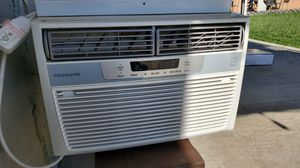 Window ac frigidaire 6k btus for Sale in Pomona, CA