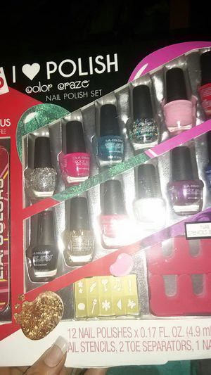 La colors nail polish kit for Sale in Lakeland, FL