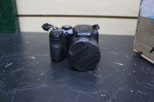 Fujifilm S4800 16MP 30x Zoom Fuji Digital Bridge Camera for Sale in Los Angeles, CA