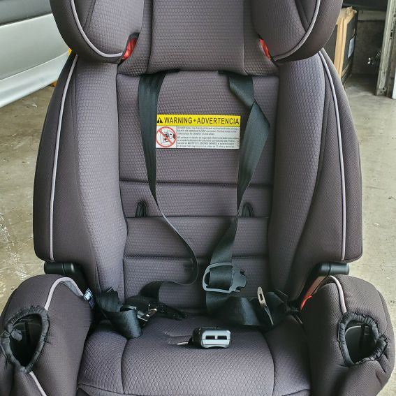 4 In 1 Like new Car Seat