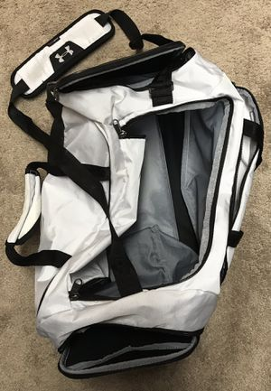 USF Under Armour duffle bag/ back pack for Sale in Tampa, FL
