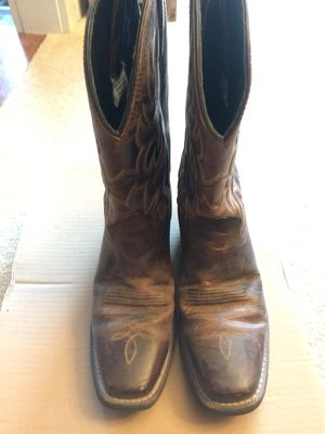 Size 8.5 D men's Laredo Brown Crackle corral Boots like new for Sale in St. Louis, MO