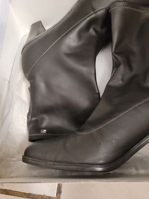 Tommy Hilfiger boots for Sale in Miami Lakes, FL