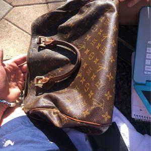 louis v hand bag for Sale in Bellbrook, OH