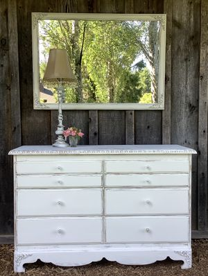 """""""Shabby Chic"""" Vintage Dresser and Mirror Set for Sale in Hillsboro, OR"""