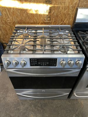 $699 Kenmore stainless steel slide in gas range five burners with delivery in the San Fernando Valley for Sale in Los Angeles, CA