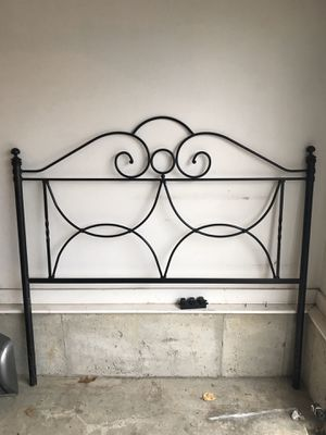 Queen size bed headboard for Sale in Kansas City, MO