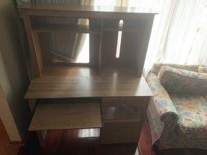 Computer desk for Sale in Aurora, IL