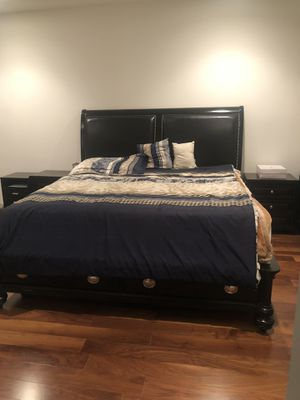 King bedroom set including mattress, 2 side drawers and 2 drawers on the bottom of bed for more storage for Sale in Santa Monica, CA