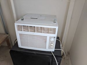 Window AC unit for Sale in Sterling, VA