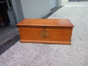 Antique Pine Blanket Chest for Sale in Clearwater, FL