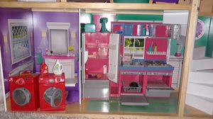 Doll house for 18' dolls for Sale in Denver, CO