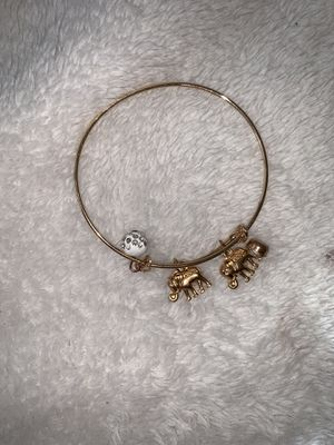 Gold Elephant Charm Bracelet for Sale in Ellicott City, MD