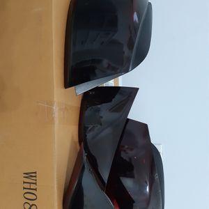 Genuine Hyundai Elantra 2013 tail lights. for Sale in Miami, FL