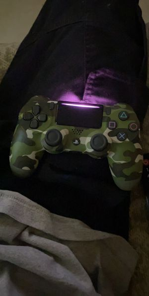 PS4 camo controller for Sale in Brownsville, TX
