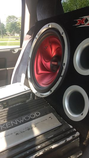 Xxx12 & amplifier Kenwood and a JVC CD player for Sale in Brentwood, TN