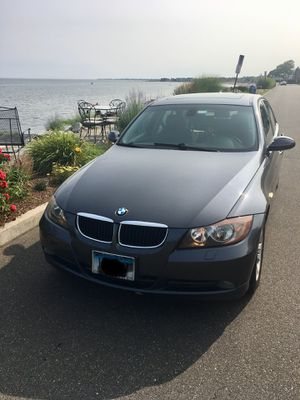 2006 BMW 325xi - V6 - Automatic - AWD - Leather - Sunroof - Alloy wheels for Sale in Shelton, CT