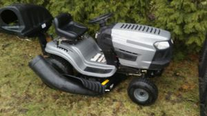 2015 42 inch Craftsman riding lawn mower for Sale in Holly, MI