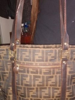 Fendi Bag (ORIGINAL) for Sale in Buena Park,  CA