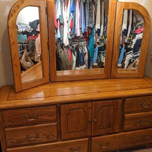Solid Oak Dresser with Nightstands for Sale in Gig Harbor, WA