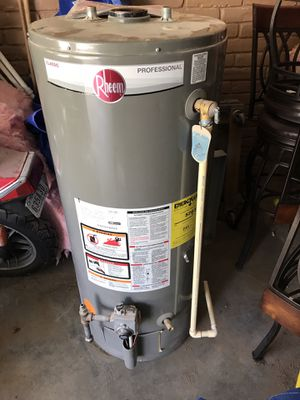 Raheem 40 gallon gas water heater for Sale in Houston, TX