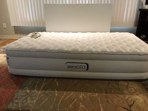 Aero bed air mattress twin with inflatable pump for Sale in Big Flats, NY