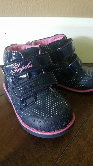 Girls boots, size 5.5, Orthopedic for Sale in Sarasota, FL