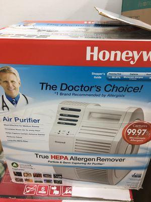 Honeywell QuietCare True HEPA Air Purifier 17000-S, White for Sale in Hacienda Heights, CA