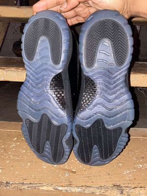 Cap & gown 11s for Sale in College Park, GA
