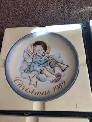 Limited edition, Christmas collection china plates for Sale in Adelphi, MD