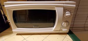 Microwave and oven for Sale in Lynwood, CA