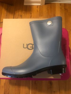 UGGS RAIN BOOTS SIZE 12 for Sale in Dearborn, MI
