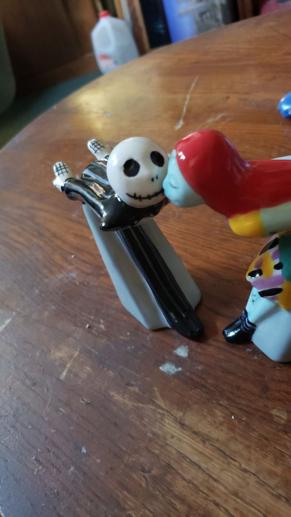 Nightmare before christmas salt and pepper shakers