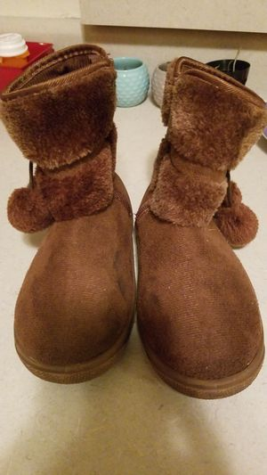 Girls boots size 2 for Sale in Dayton, TX