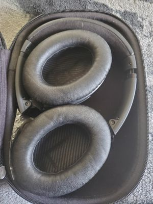 Bose 35q wireless headphones, never been used. for Sale in Olympia, WA