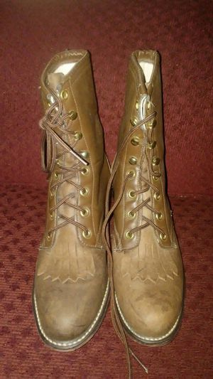 Womans boots for Sale in Fresno, CA