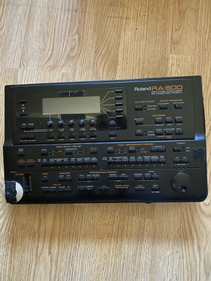 Roland RA-800 Music Arranger for Sale in Chicago, IL