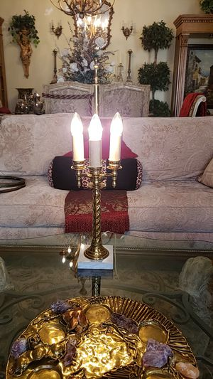 Beautiful brass and marble antique lamp for Sale in Boynton Beach, FL