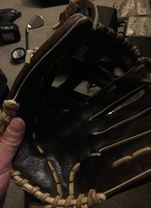 """Wilson Showtime 13"""" Broken in. Game ready for Sale in Seattle, WA"""