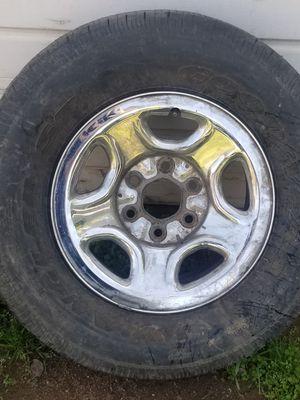 16 inch rim 6 lug for Chevy. No cap tire no good for Sale in Fresno, CA