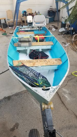 14 ft aluminum boat with 9.9 hp evinrude for Sale in Riverside, CA