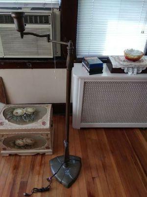Vintage brass floor lamp for Sale in Belleville, NJ