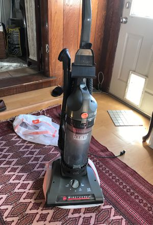 Good condition vacuum for Sale in Los Angeles, CA