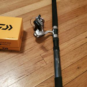 Daiwa Comb New 5000 .20-40lb Rod for Sale in Long Beach, CA