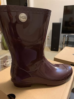 UGG Sienna Rain boots. Color: Port. Women's Shoe Size 8. for Sale in Jacksonville, FL