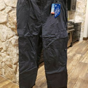 Snowboarding or Skiing Snow Pants - Mens XXL for Sale in Chandler, AZ