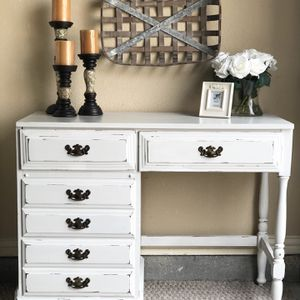CUTE FARMHOUSE STYLE DESK /VANITY / DRESSER for Sale in McKinney, TX